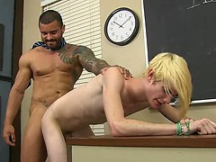 Preston Andrews immerses himself in Alexsander Freitas' cock!