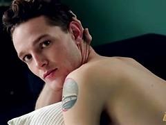 Beautiful twink Logan Hanes naked